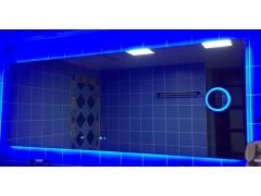 蓝色灯光带放大镜智能家居镜子时间功能可定制 (招代理加盟)
